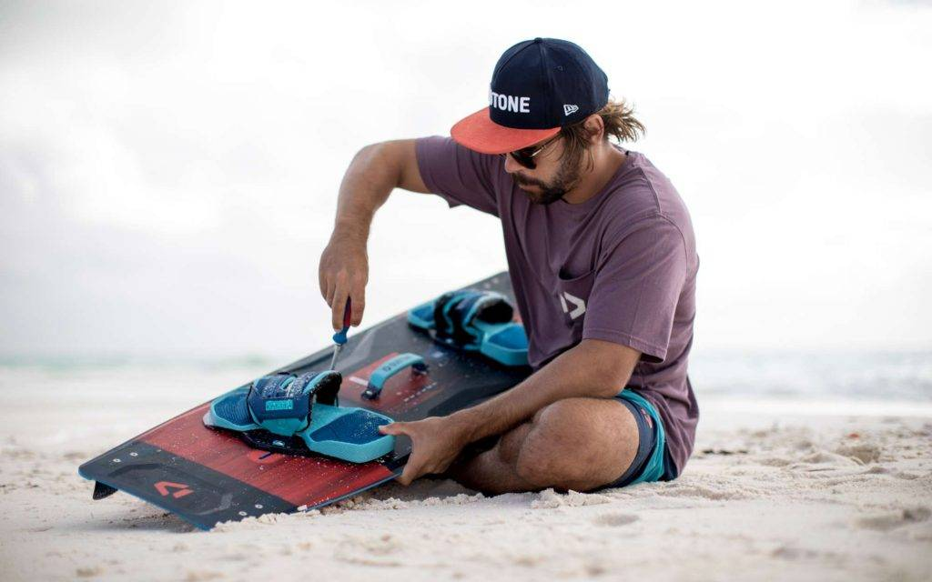 how-to-set-your-kiteboard-footpad-position-thekitespot.com-Duotone-Entity